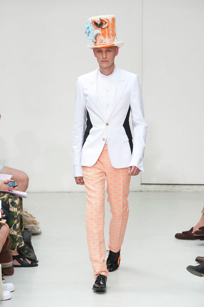 Gerhard Freidl3323_SS13 Paris Walter Van Beirendonck(fashionising.com)