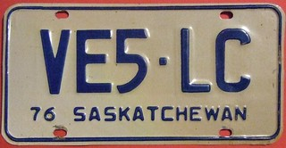 SASKATCHEWAN 1976 ---AMATEUR RADIO LICENSE PLATE