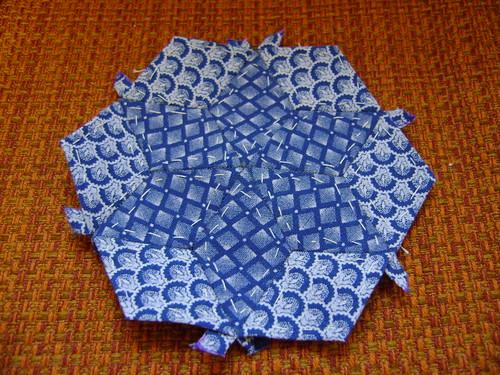 Hexagon by tatiacamilla