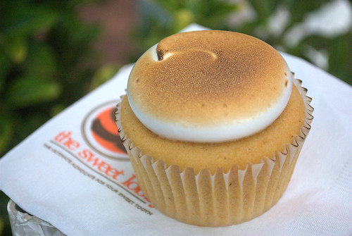 Sweet potato marshmallow cupcake from The Sweet Lobby