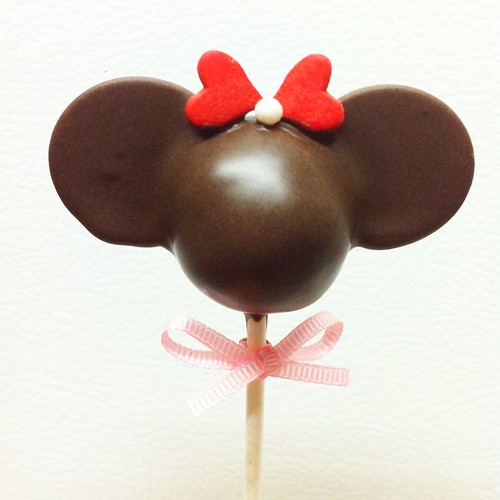 Minnie Silhouette Cake Pops