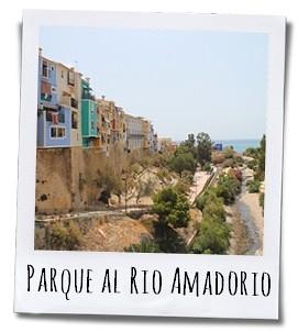 Het park bij de Rio Amadorio is een heerlijk rustpunt na alle drukte aan de boulevard van Villajoyosa