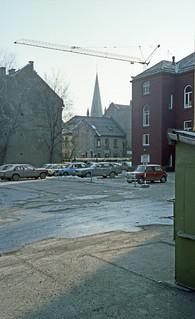 Fra gårdsplassen ved E. C. Dahls Stiftelses bygning
