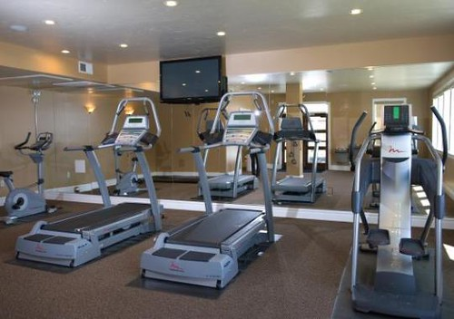 Apartment Fitness Center - Houston TX