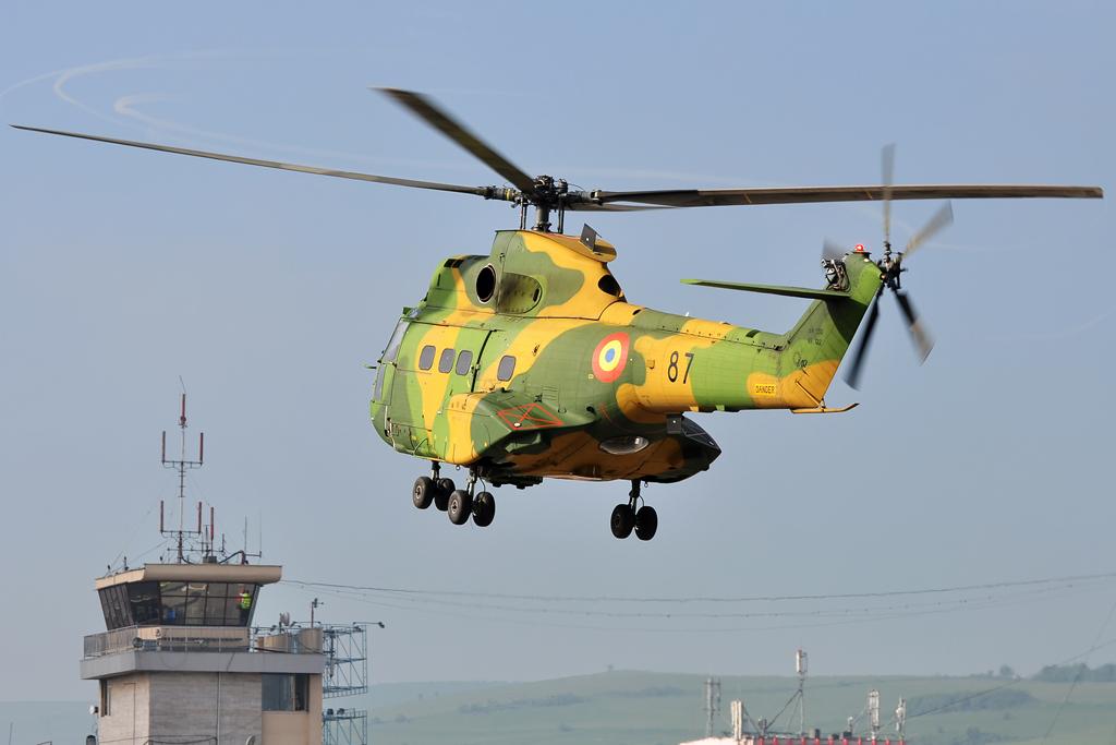 Cluj Napoca Airshow - 5 mai 2012 - Poze 7145978301_54204060e1_o