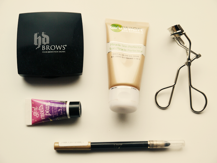 travel makeup essentials 1