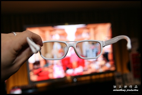LG CINEMA 3D Smart TV : Battery-Free and Light Weight 3D glasses!