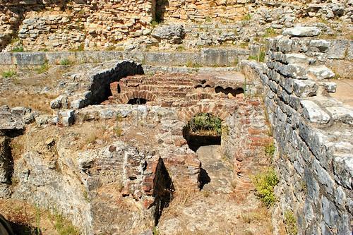 Hipocausto de termas romanas em Conimbriga by VRfoto