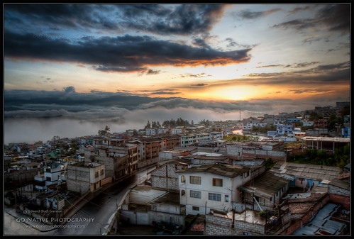 city morning travel vacation cloud sun mountain holiday mountains sol southamerica fog clouds sunrise dawn early ecuador dramatic sierra andes drama daybreak andesmountains ambato salidadelsol