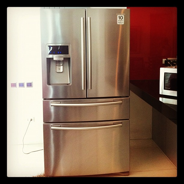 Tweaking my kitchen design because I'm getting this awesome #Samsung digital refrigerator. Still haven't found my sink!