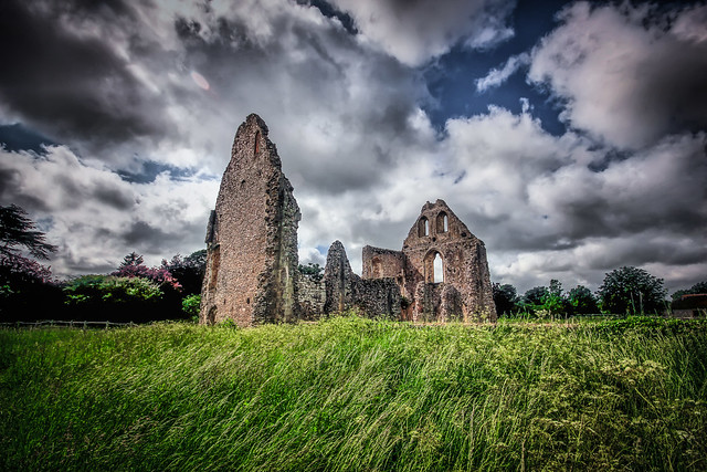 Boxgrove Priory Ruins by Simon & His Camera