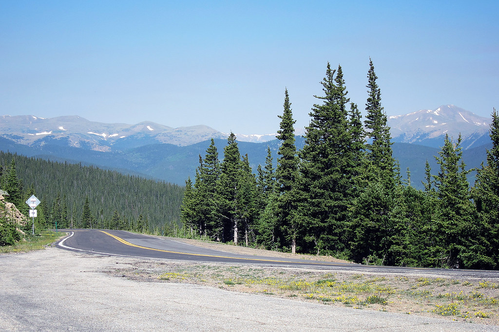 road to mount evans