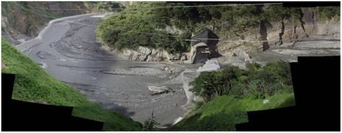 巴陵壩潰壩前後照片(圖片來源:水利署)