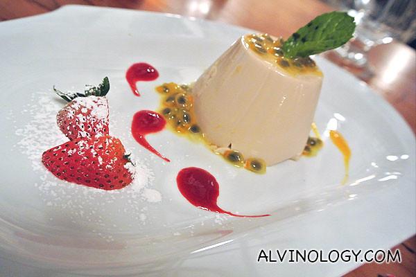 Passionfruit Tea Pannacotta