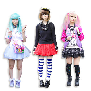 Harajuku digital art dolls  :: A FREE Friday Download