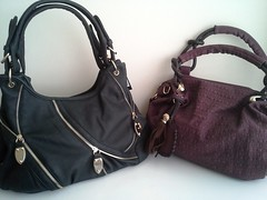 brown(0.0), bag(1.0), shoulder bag(1.0), hobo bag(1.0), handbag(1.0), leather(1.0),