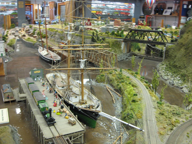 Medina railroad museum ho scale model train layout flickr photo sharing - Ho train layouts for small spaces image ...