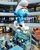 Only few wires to hang the giant Smurf:flushed: if I work at the booth I ll look up all the time:joy: #smurf #booth #character #doll #giant #skywalking #hang #fun #blue #products#l #藍精靈 #十分勁 #吊威也 #mall