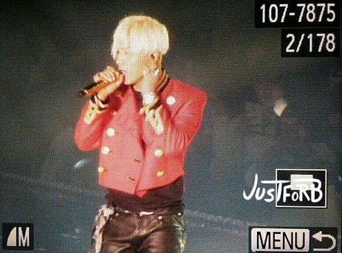 Taeyang-MelOnAwards2014_1-20