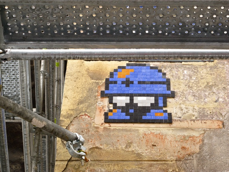 Hard hat Space Invader