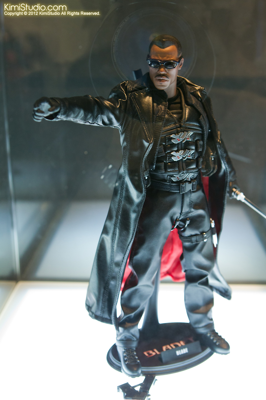 2011.11.12 HOT TOYS-034
