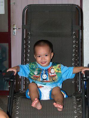 20120525_justinarmchair