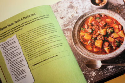Inside Red Hot Chilli Cookbook 4015 R