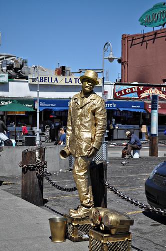 Live Human Statue ~ San Francisco