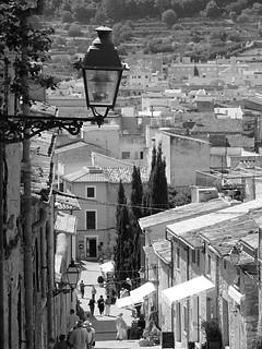 ภาพของ Calvari Steps. lamp steps mallorca pollenca calvari