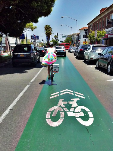 Long Beach: Green Lane & Sharrows