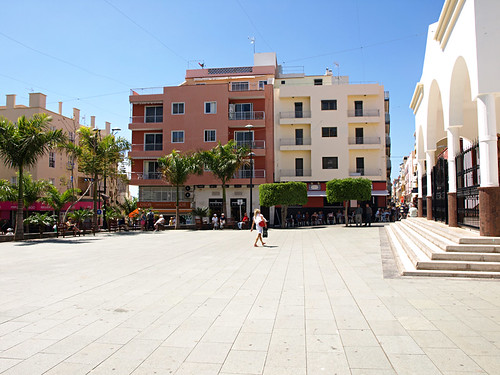 Plaza, Los Cristianos, Tenerife