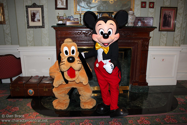 Meeting Mickey and Pluto