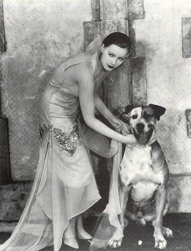 greta-garbo-dog-flesh-and-the-devil-1926