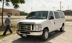 automobile, automotive exterior, van, commercial vehicle, vehicle, ford e-series, bumper, ford, land vehicle,