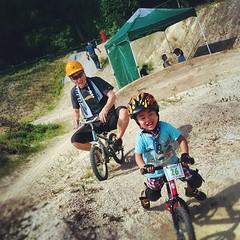 3人のストライダーキッズと6人のご両親、あとBMX2人で大賑わいとなりました。#trails #bmx #strider