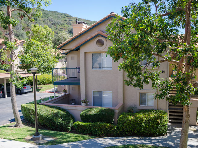11231 Avenida De Los Lobos #F, The Falls, Rancho Bernardo, San Diego, CA 92127