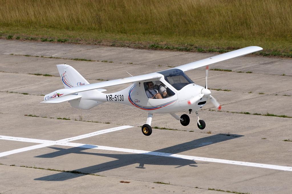 Fly-in @ Floreni - Mitingul cailor putere - Poze 7677966006_50f6951f3f_o
