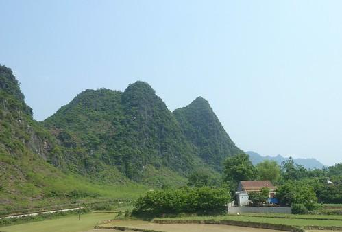 V-Route Hanoi-Lang Son (106)