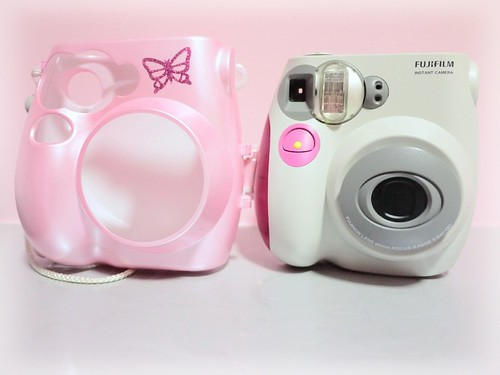 Câmera Instax Mini 8 da Fuji   NÃO SOMOS APENAS ROSTINHOS BONITOS 59cecf447f
