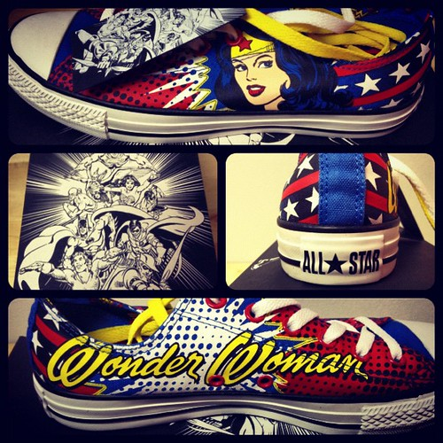 My mom's birthday gift revealed: Wonder Woman Converse! ✨