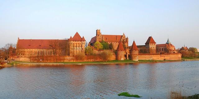 El castillo más grande de Polonia: Malbork
