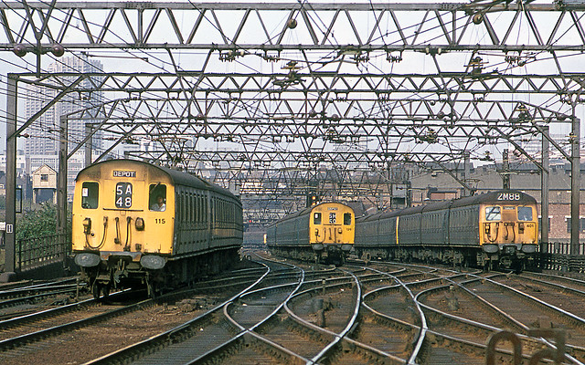 77255-Class 307-Bethnal Green