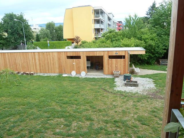vu du garage avec r cup ration eau de pluie www. Black Bedroom Furniture Sets. Home Design Ideas