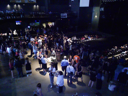 1 crowd