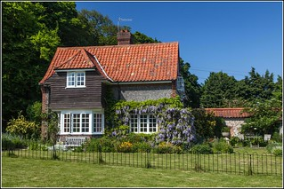 Cottage in Sheringham Park | by Smudge 9000