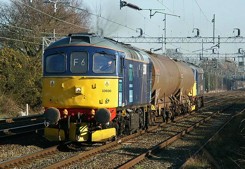 33030 & 33025 6c20 Acton Bridge 14.3.02