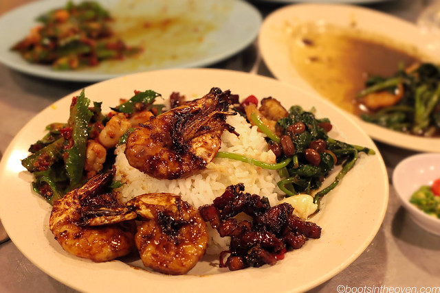 Dinner Sampler with delicious tamarind prawns!