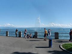 Entspannung an der Uferpromenade von Friedrichsharen