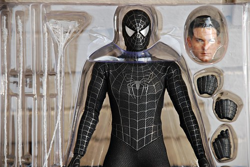 Spider-Man Black Suit (1/6 Hot Toys)