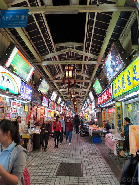 Taipei Hwashi Tourist Night Market-005
